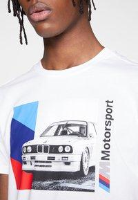 Puma - BMW GRAPHIC TEE - Print T-shirt - puma white - 5