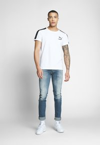 Puma - ICONIC - Print T-shirt - white - 1