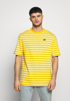 DOWNTOWN STRIPED TEE - Camiseta estampada - golden rod