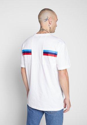 BMW LIFE TEE - T-shirt imprimé - white