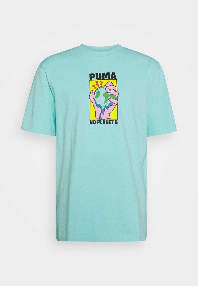 DOWNTOWN GRAPHIC TEE - T-Shirt print - aruba blue