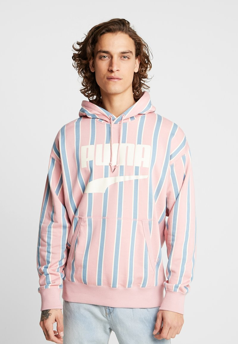 Puma - DOWNTOWN GRAPHIC HOODY - Jersey con capucha - bridal rose