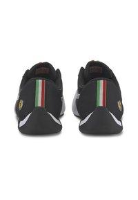 Puma - FERRARI R-CAT - Sneakers basse - black/white - 4