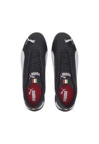 Puma - FERRARI R-CAT - Sneakers basse - black/white - 2