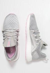 Puma - NRGY NEKO COSMIC - Obuwie do biegania treningowe - silver/lilac sachet - 1