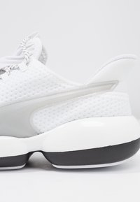 Puma - MODE XT  - Sports shoes - white/black - 5