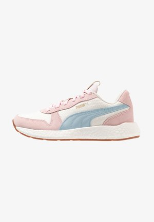 NRGY NEO RETRO SWEET - Scarpe running neutre - whisper white/barely pink/light sky