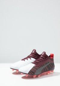 Puma - ONE 5.1 FG/AG - Botas de fútbol con tacos - white/rhubarb/silver - 2