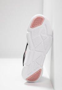 Puma - INTERFLEX RUNNER - Zapatillas de running neutras - black/bridal rose - 4