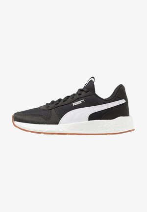 NEKO RETRO - Neutral running shoes - black/white