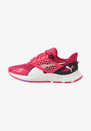 HYBRID ASTRO - Neutral running shoes - nrgy rose/black