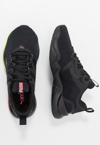 Puma - ZONE XT - Sports shoes - black/ignite pink/silver - 1