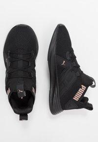 Puma - CONTEMPT DEMI - Neutrální běžecké boty - black/rose gold - 1