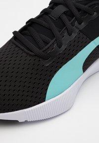 Puma - FLYER RUNNER SPORT - Neutral running shoes - black - 5