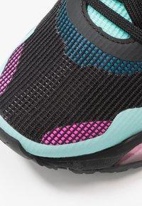 Puma - LQDCELL OPTIC XI  - Nøytrale løpesko - black/aruba blue/luminous pink - 5