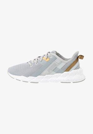 WEAVE XT METAL - Sports shoes - high rise/silver