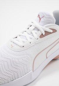 Puma - JAROMETAL - Obuwie do biegania treningowe - white/rose gold - 5
