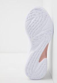 Puma - JAROMETAL - Obuwie do biegania treningowe - white/rose gold - 4