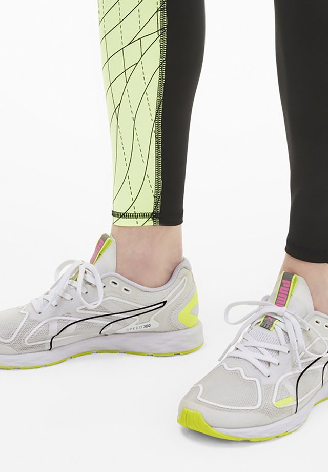 SPEED RACER  - Stabilty running shoes - white-yellow-black-pink