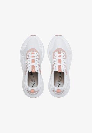 PUMA NUAGE RUN WOMEN'S TRAINERS FEMALE - Trainers - white-white-peach bud