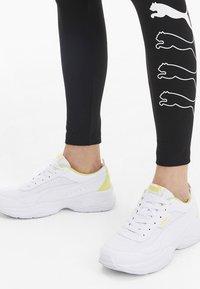 Puma - PUMA CILIA MODE MESH WOMEN'S TRAINERS FEMALE - Chaussures d'entraînement et de fitness - puma white-sunny lime - 0