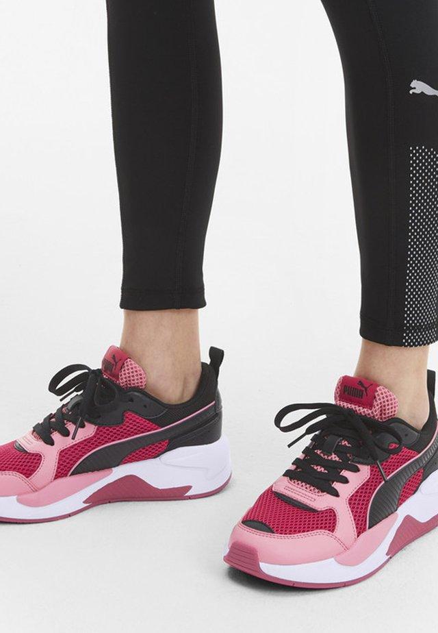 Sneaker low - bright rose-bubblegum-black