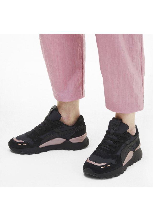 MONO METAL  - Stabilty running shoes - black-rose gold