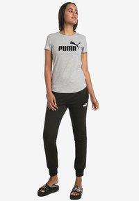 Puma - T-shirts med print - light gray - 1
