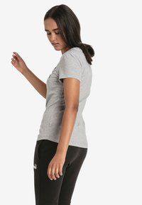 Puma - T-shirts med print - light gray - 2