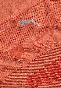 Puma - EVOKNIT SEAMLESS CROP - Treningsskjorter - autumn glaze - 2