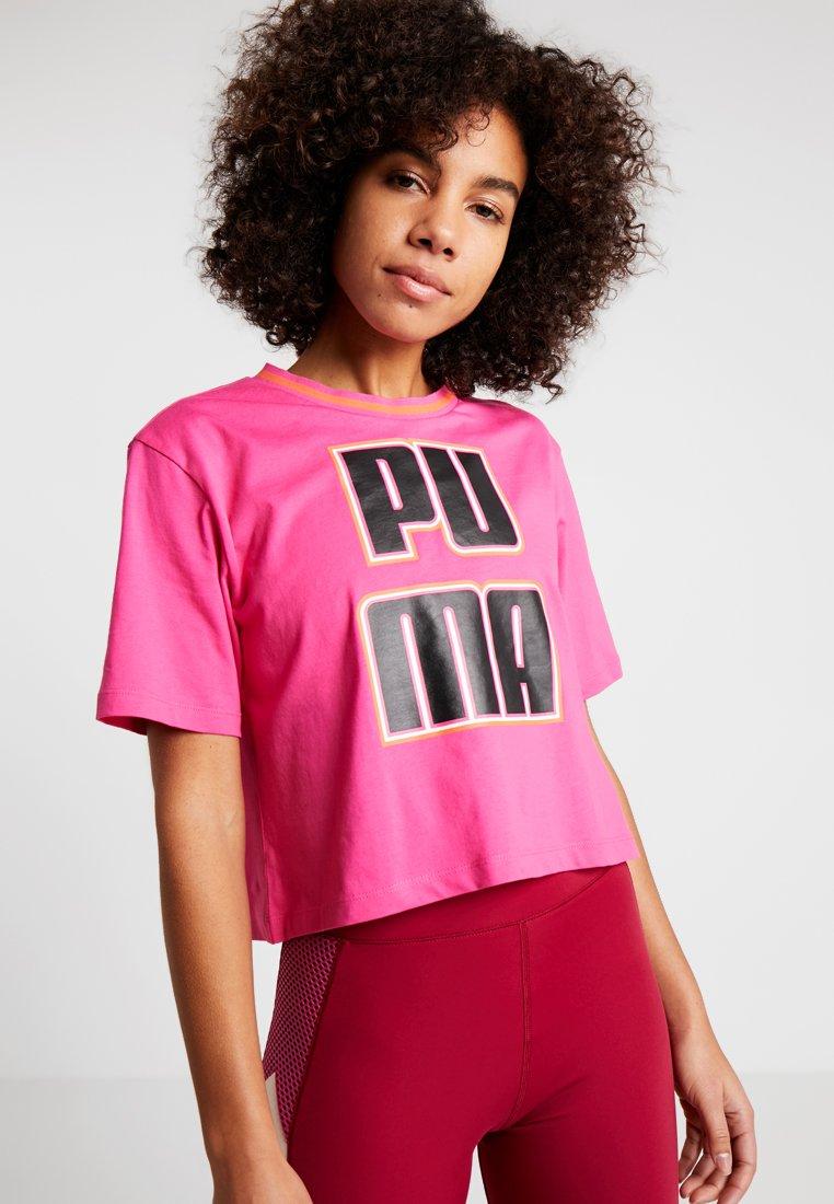 Puma - REBEL RELOAD CROP TEE - T-shirt z nadrukiem - fuchsia/purple