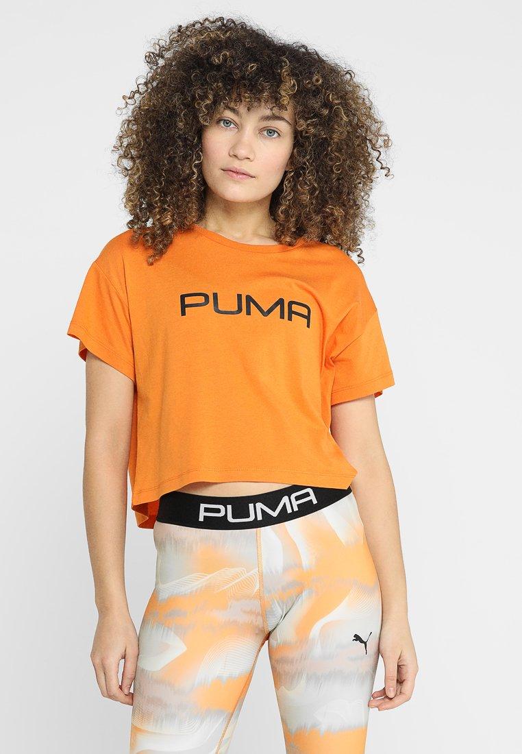 Puma - CROPPED LOGO TEE - Camiseta estampada - russet orange