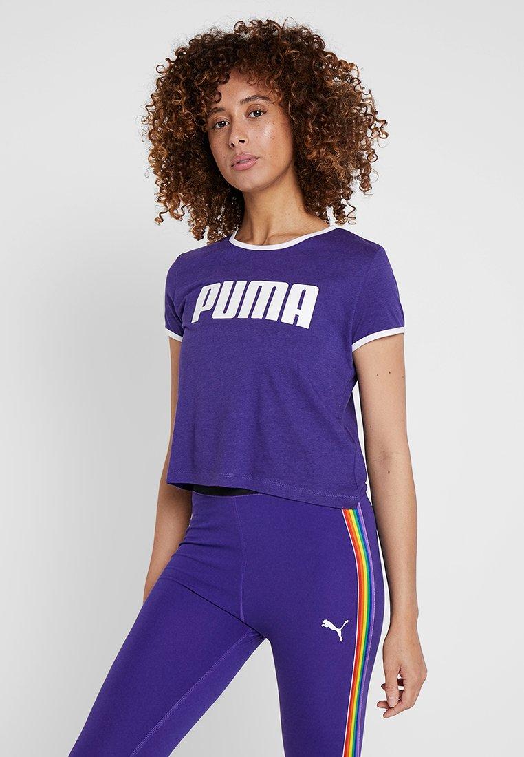 Puma - PERFORMANCE RETRO TEE - T-shirt med print - deep wisteria