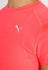 Puma - TEE - T-shirt con stampa - pink alert - 6