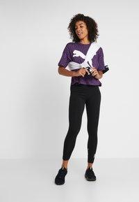 Puma - MODERN SPORT FASHION TEE - T-shirt con stampa - plum purple - 1
