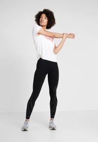Puma - MODERN SPORT GRAPHIC TEE - T-shirt con stampa - white - 1