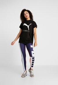 Puma - TILITY TEE - Camiseta estampada - black - 1