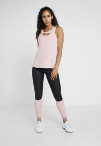 Puma - SHIFT TANK - Sportshirt - bridal rose - 1