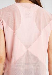 Puma - STUDIO TEE - Camiseta estampada - bridal rose - 6
