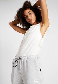 Puma - LOOSE FIT TANK - Treningsskjorter - white - 0