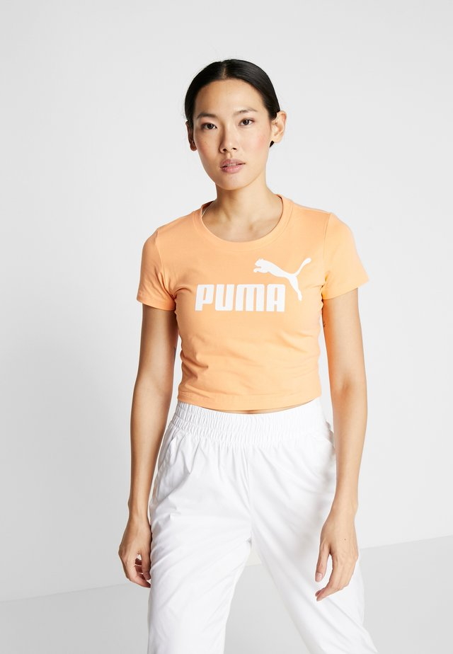FITTED TEE - Print T-shirt - cantaloupe