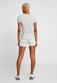 Puma - AMPLIFIED TEE - T-shirt imprimé - light gray heather - 2