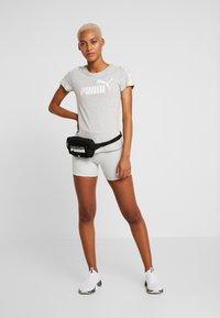 Puma - AMPLIFIED TEE - T-shirt imprimé - light gray heather - 1