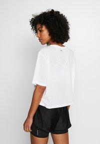 Puma - METAL SPLASH GRAPHIC TEE - Print T-shirt - puma white - 2
