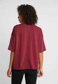 Puma - TEE  - T-shirts med print - cordovan - 2