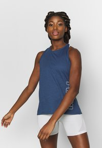 Puma - PUMA TWIST IT WOMEN'S TRAINING TANK TOP FRAUEN - Sports shirt - dark denim - 0