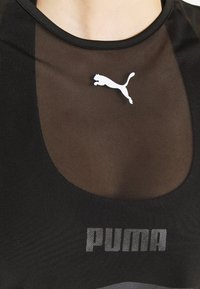 Puma - STUDIO CLASH ACTIVE TEE - Print T-shirt - black - 6
