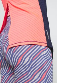 Puma - NEO FUTURE TANK - Sports shirt - peacoat/ignite pink - 3