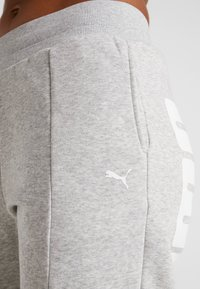 Puma - REBEL PANTS  - Träningsbyxor - light gray heather - 5