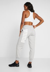 Puma - REBEL PANTS  - Träningsbyxor - light gray heather - 2